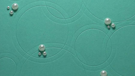 Circles Collections Framelit with crease pad closeup